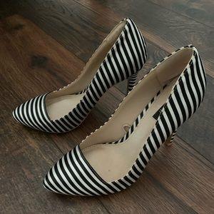 Striped black and white high heel pumps stilettos